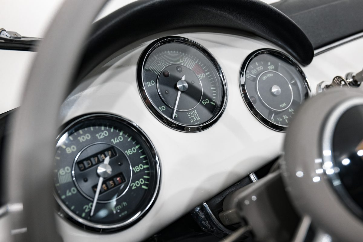 Porsche 356A Speedster 29