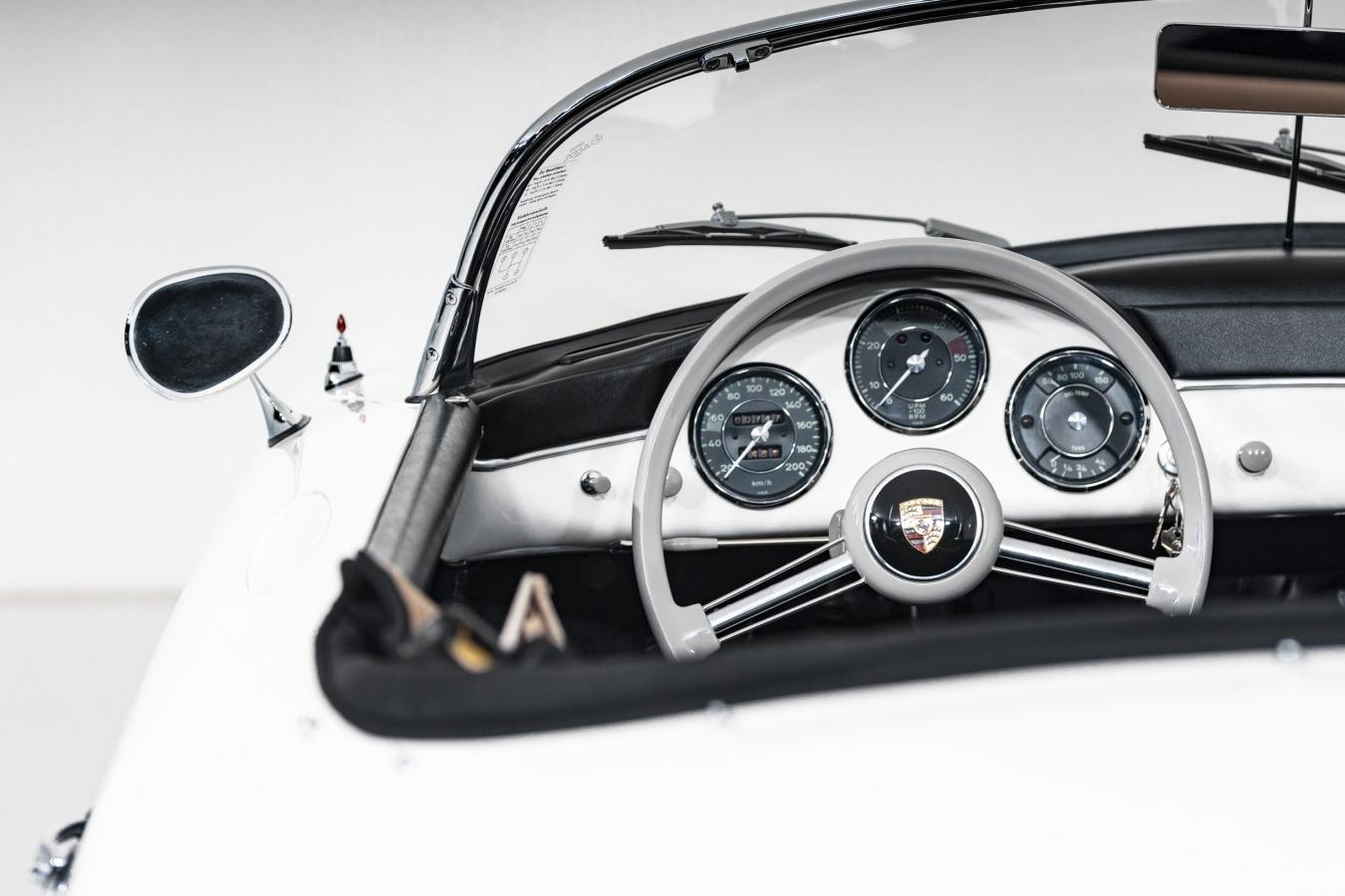 Porsche 356A Speedster 32