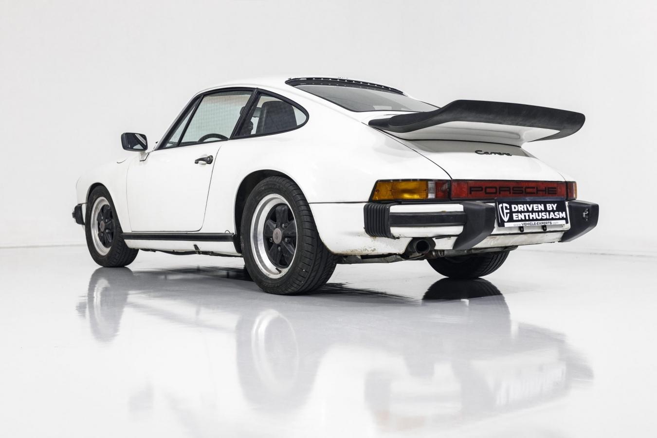 Porsche 911 Carrera 19