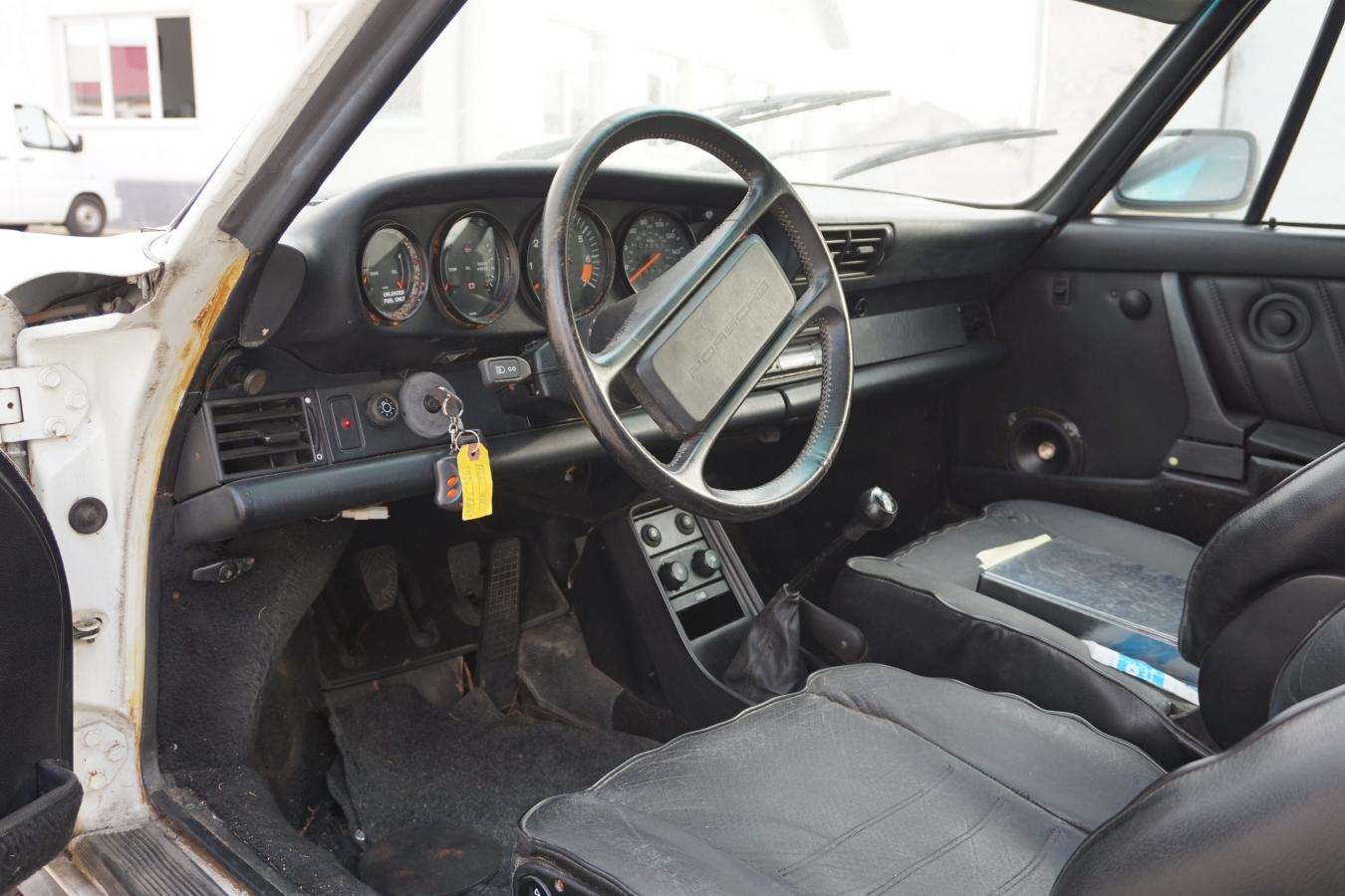 Porsche 911 Carrera Targa 16