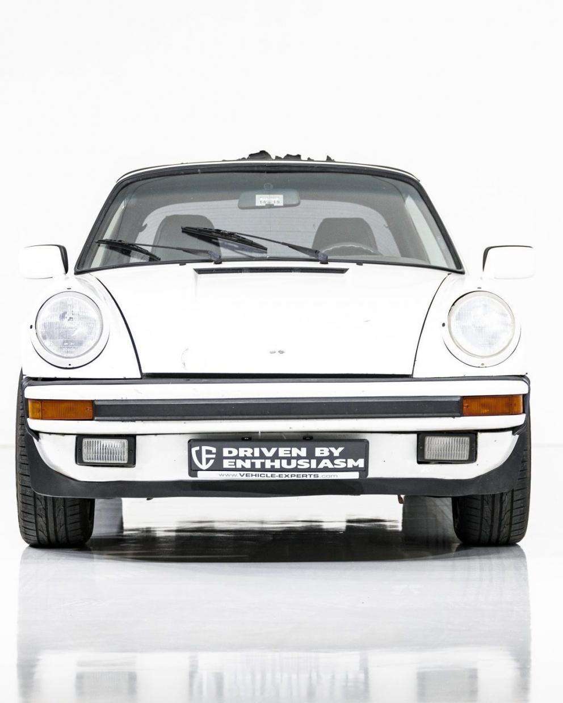 Porsche 911 Carrera Targa 21