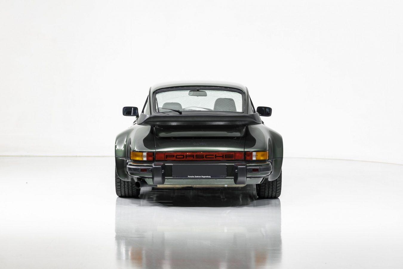 Porsche 911 Turbo Coupé 2