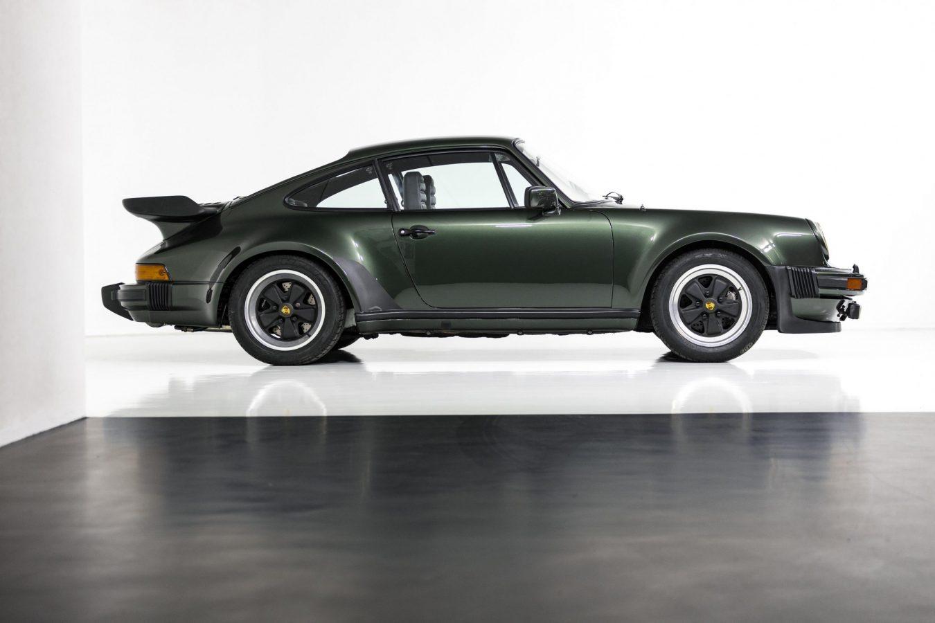 Porsche 911 Turbo Coupé 18