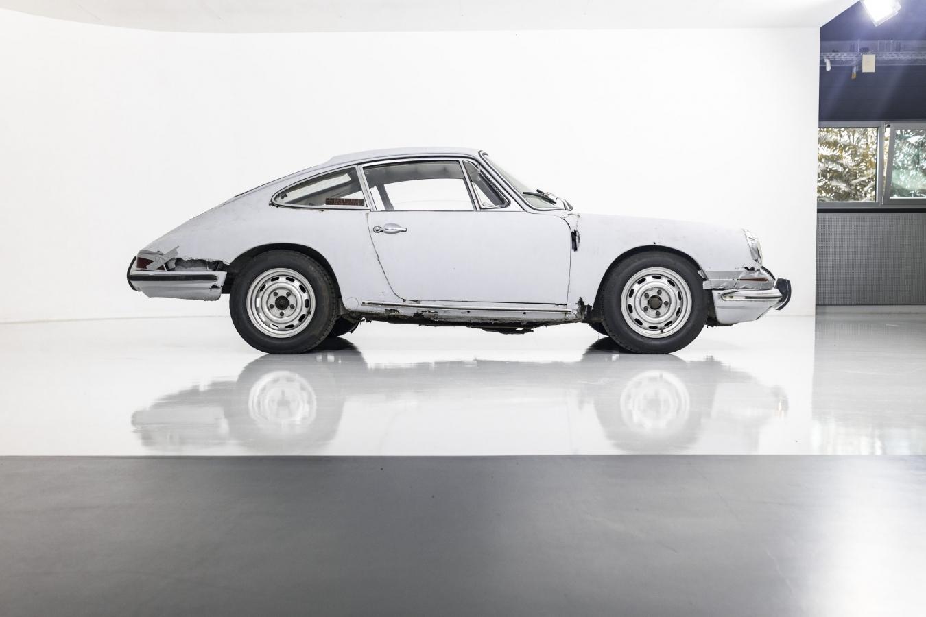 Porsche 911S Coupé 46