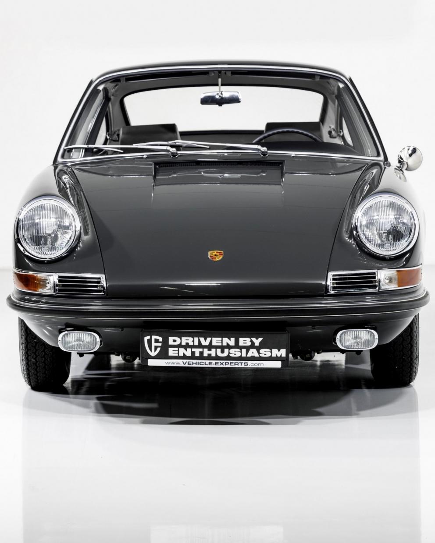 Porsche 911S Coupé 7