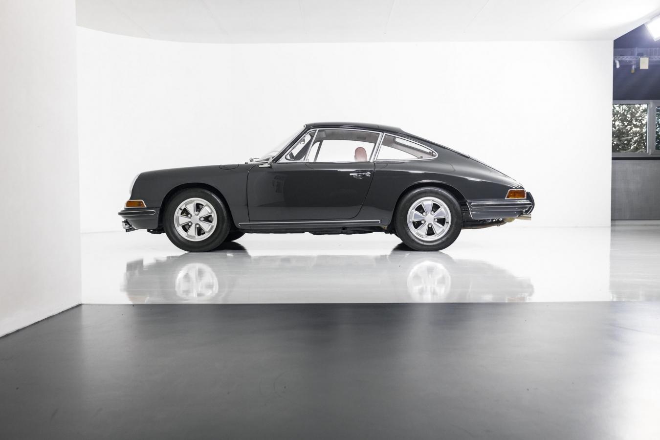 Porsche 911S Coupé