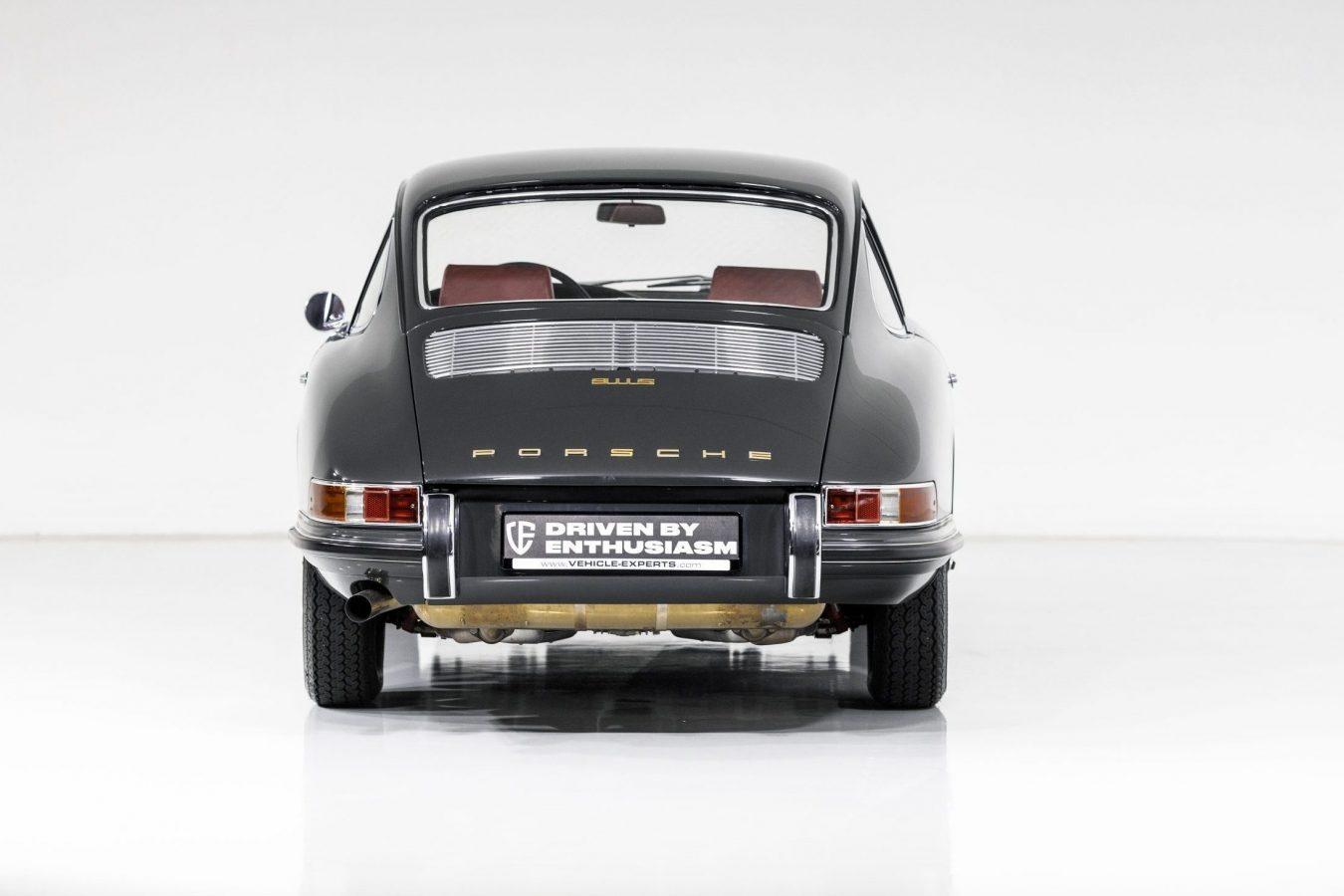 Porsche 911S Coupé 51