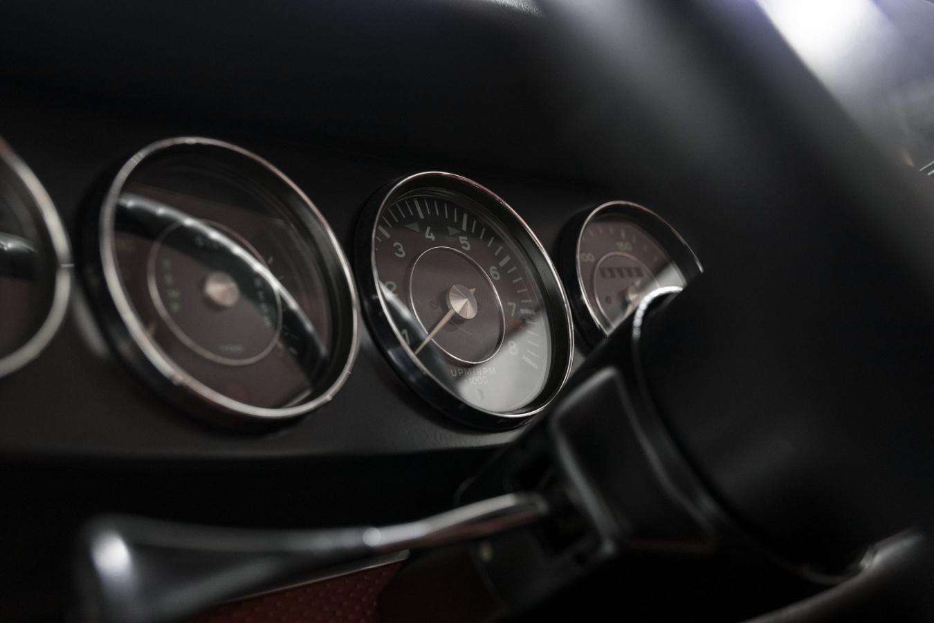 Porsche 911S Coupé 18