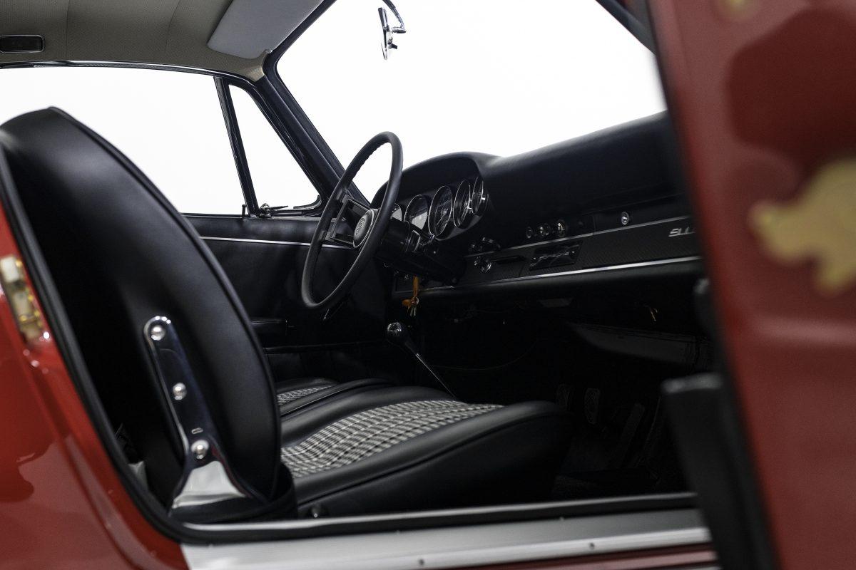 Porsche 911S Coupé 27
