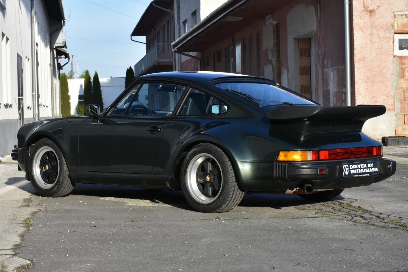 Porsche 930 Turbo 11