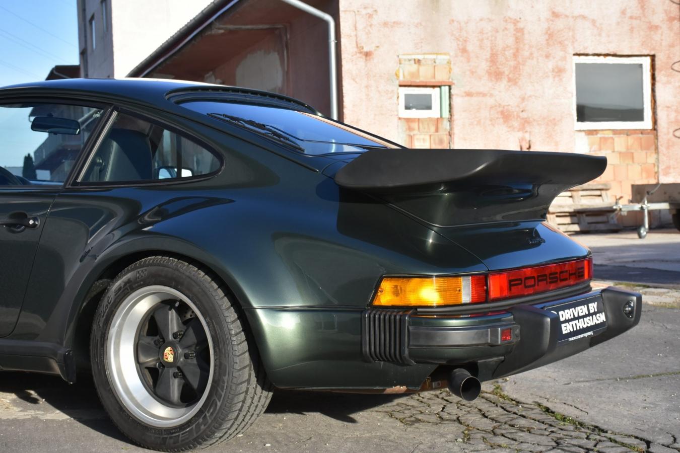 Porsche 930 Turbo 12