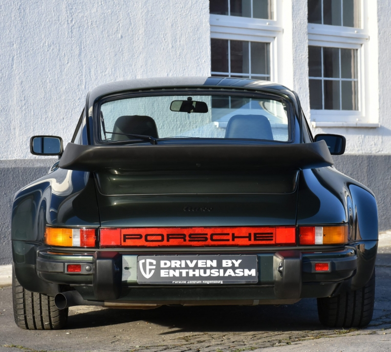 Porsche 930 Turbo 15