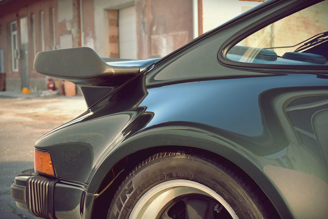 Porsche 930 Turbo 5