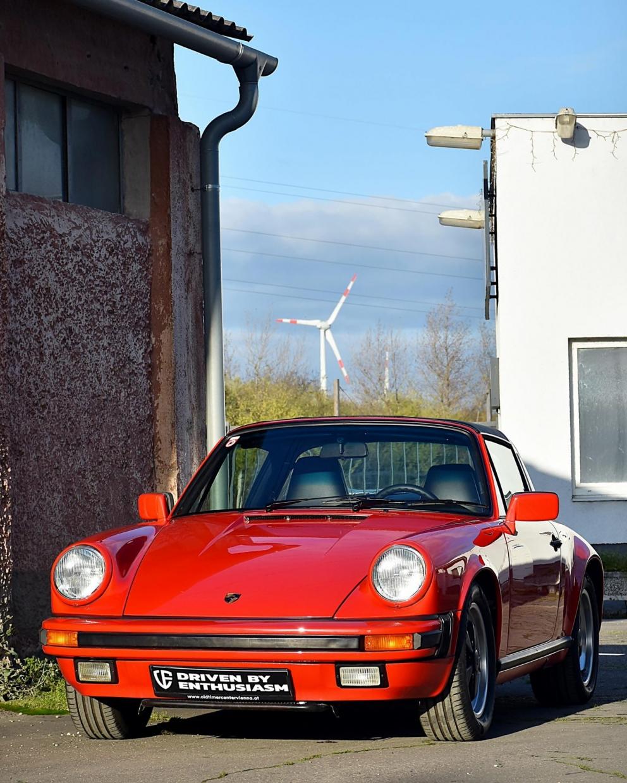 Porsche 911 Carrera Targa 1