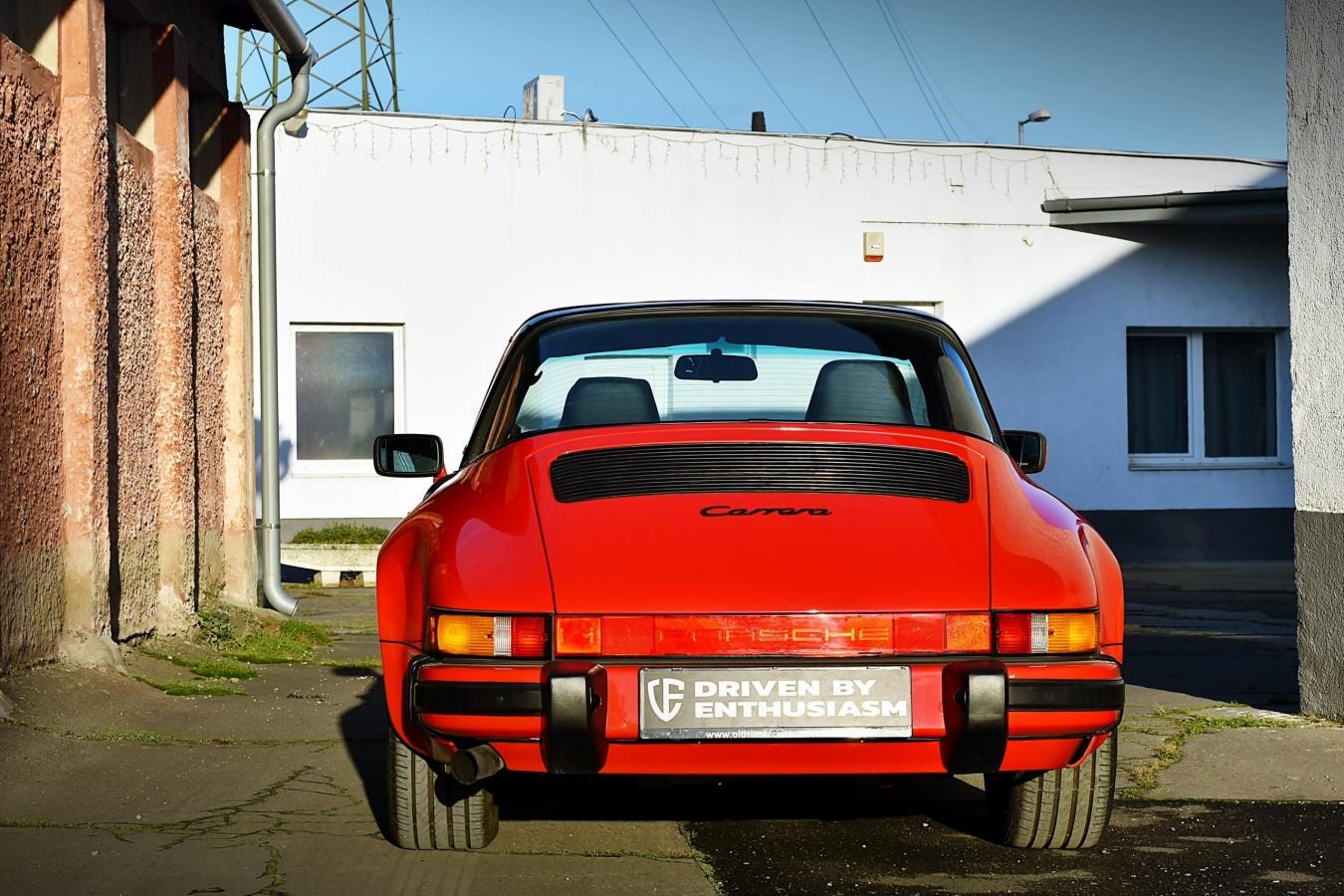 Porsche 911 Carrera Targa 32