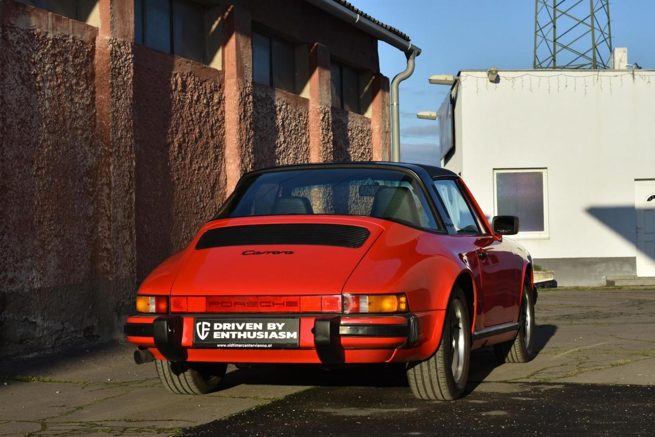 Porsche 911 Carrera Targa 33