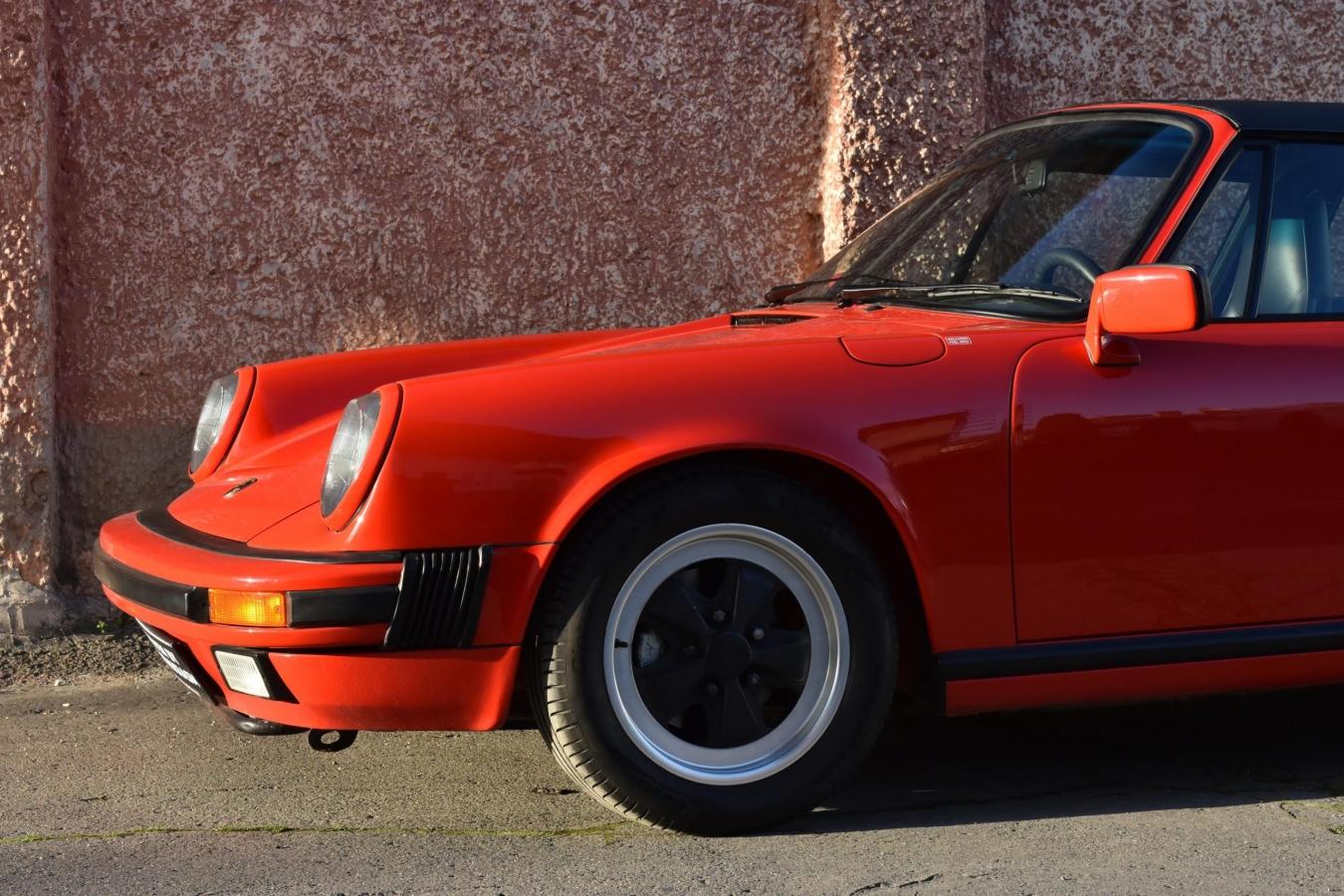 Porsche 911 Carrera Targa 44