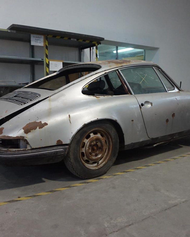 Porsche 911S Coupé 3