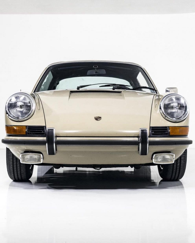 Porsche 911E Targa Ölklappe 1