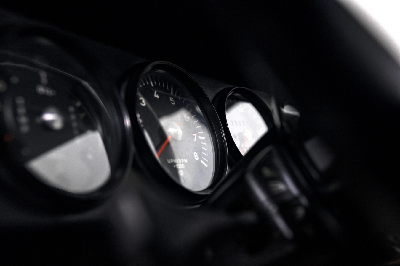 Porsche 911E Targa Ölklappe
