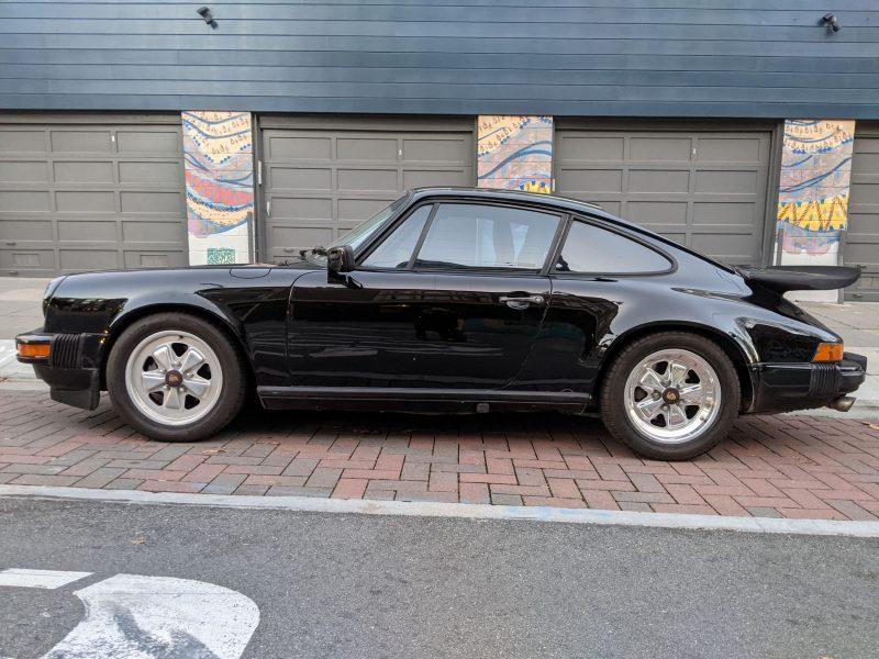 Porsche 911 Carrera Coupe 1985