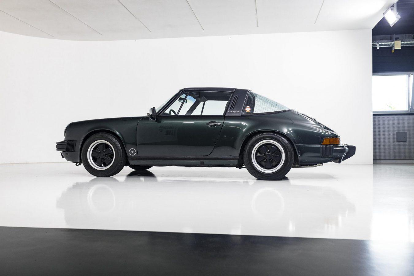 Porsche 3.2 Carrera Targa Moosgrün 50