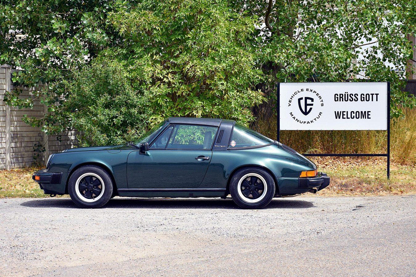 Porsche 3.2 Carrera Targa Moosgrün 32