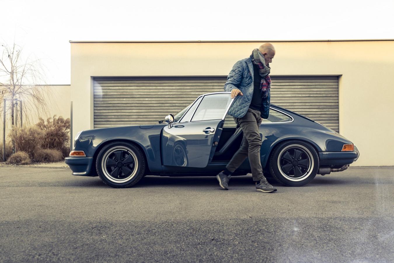 Porsche 911 Outlaw #2 1