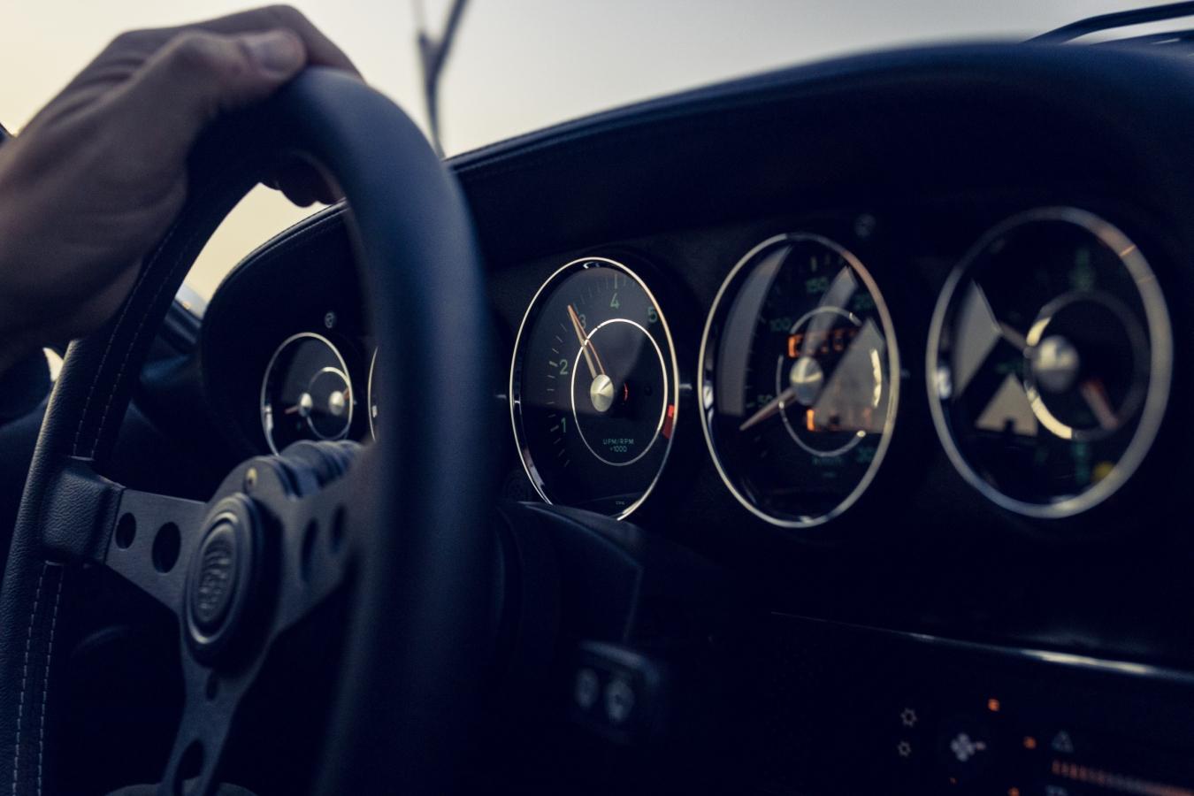 Porsche 911 Outlaw #2 4