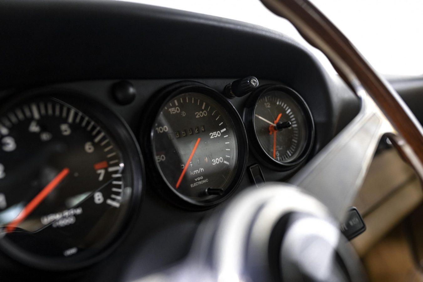 Porsche 911 1971/76 Modified 16