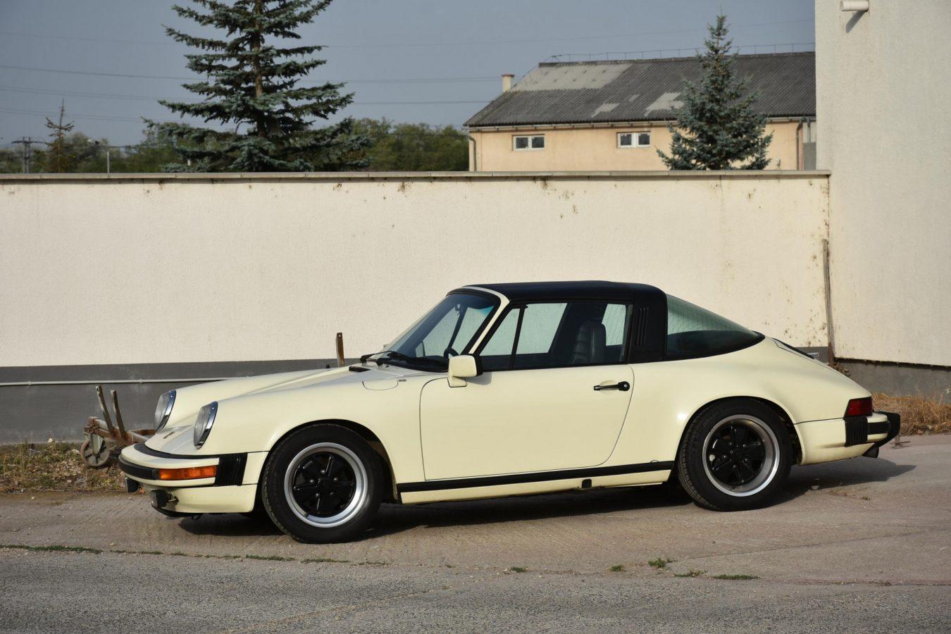 Porsche 911 3.0 SC 11