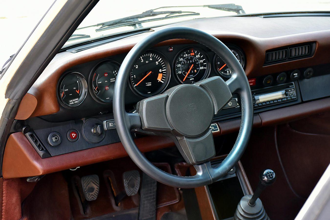 Porsche 911 3.0 SC 17